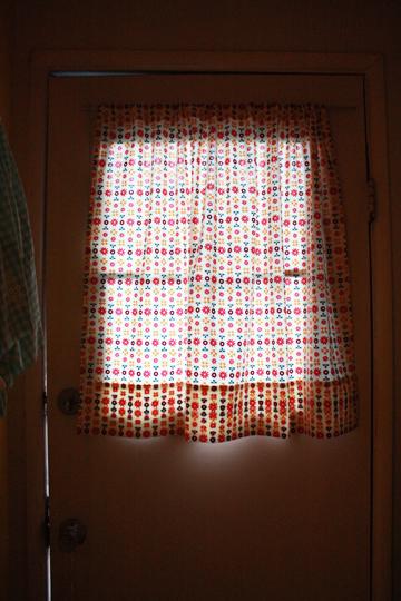 CurtainsPillowsRugs4